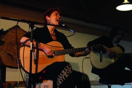 Verónica Gonzalez Krumbach Weltladen Konzert Jubiläum Weltmusik Latin Folklore Indianer Lateinamerikanisch